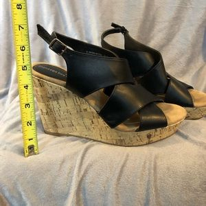 Montego Bay Club 8.5 Wedge Sandals Almost New